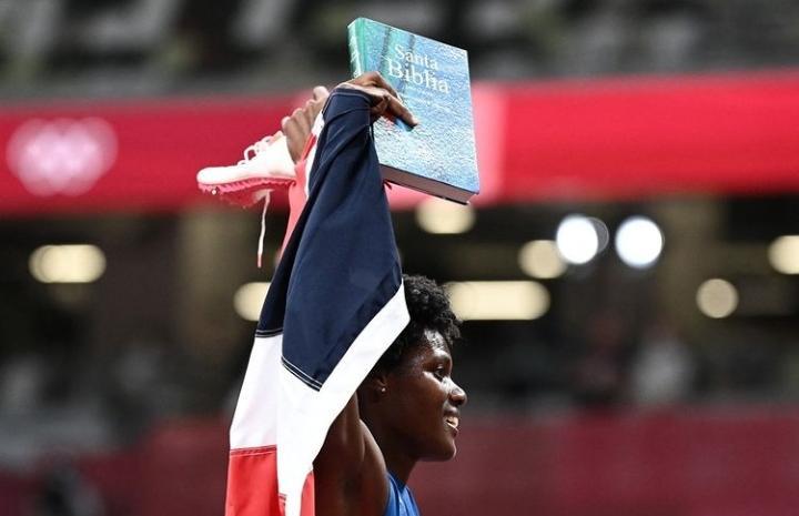 Marileidy Paulino gana en los 400m planos