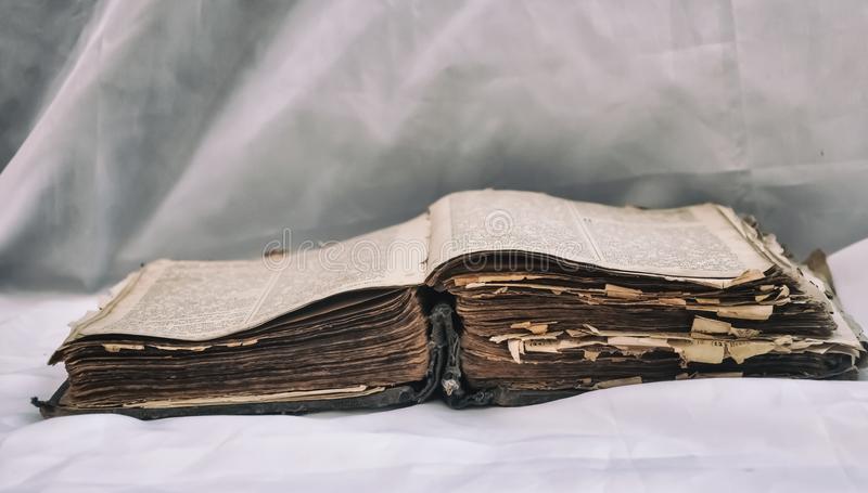 La Biblia es más que un libro de cuentos